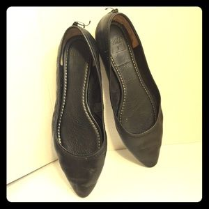 Frye Regina black leather flats